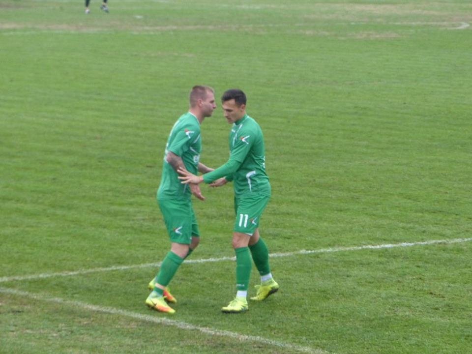 Стефан Лачов вкара двата гола за успеха на Хебър