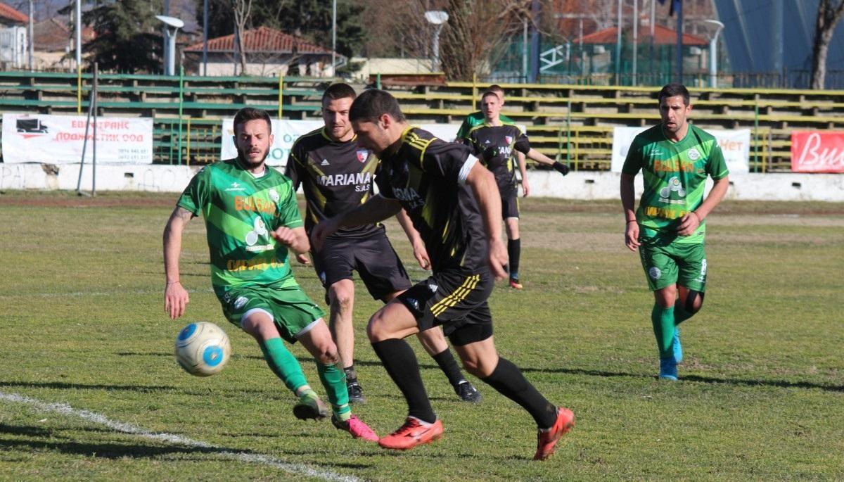 Балкан записа тежко поражение срещу Кариана.