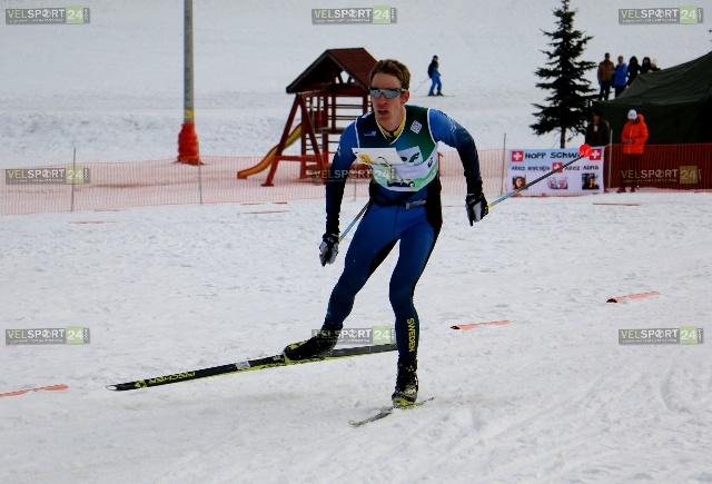 Ерик Рост метри преди да финишира на дългата дистанция от 19,8 км