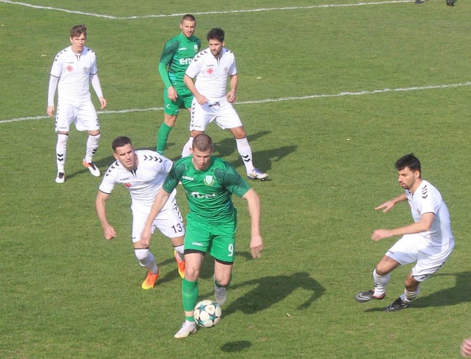 Георги Недялков вкара победния гол за Хебър.