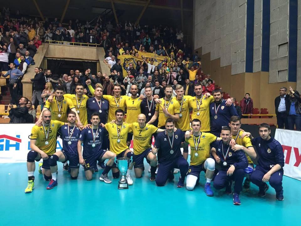Волейболистите на Хебър завършват със сребърните медали, след като в редовния сезон бяха първенци.