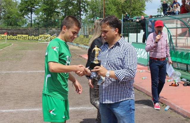 Наградата за най-добър нападател грабна Атанас Килов от Хебър, а Юсейн Яшар от Локомотив (Септември) стана голмайстор на турнира с отбелязаните четири попадения.