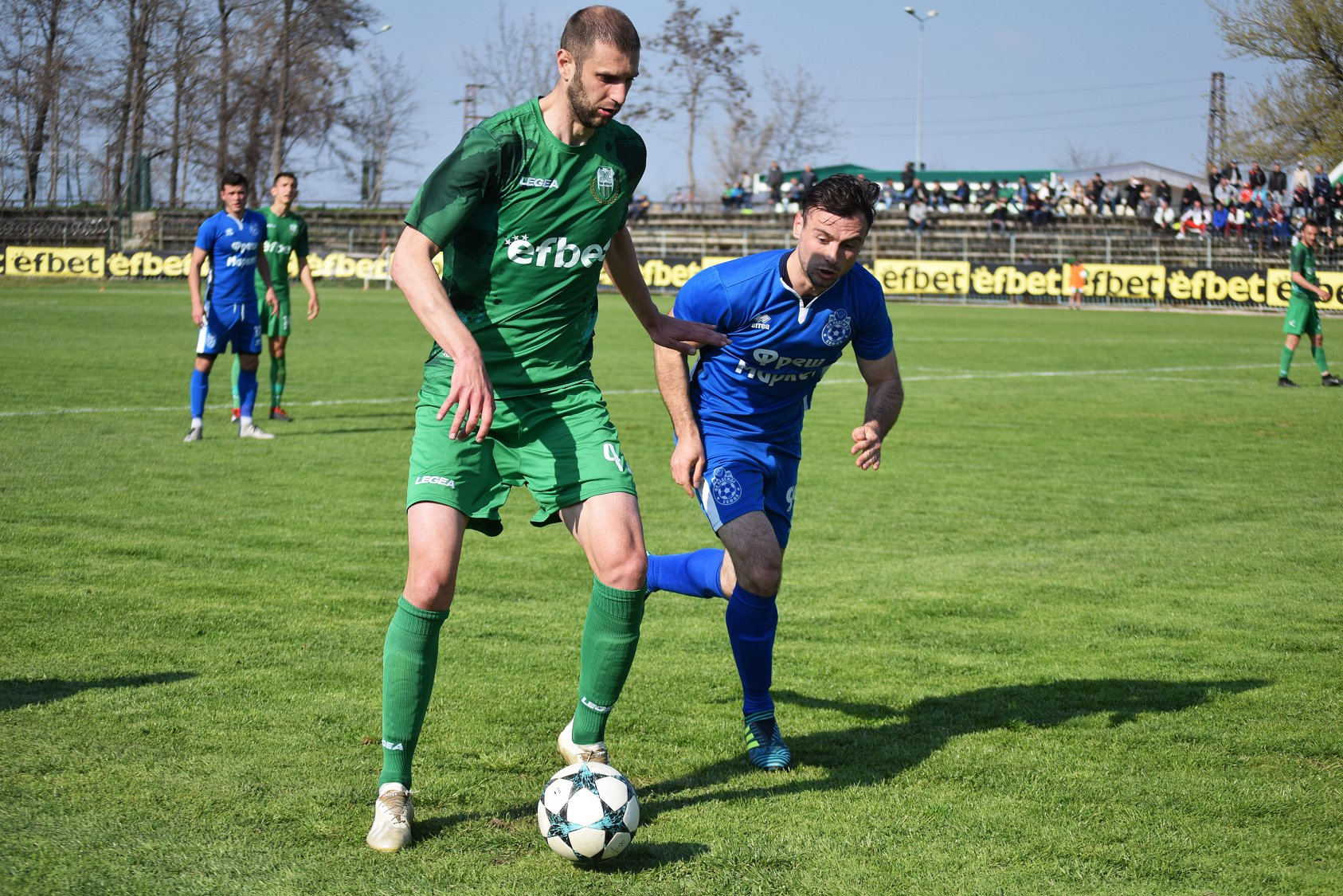 Симеон Иванов дойде в Хебър през зимата на 2019 година, като последно беше играл в Локомотив (ГО) и Етър (Велико Търново).