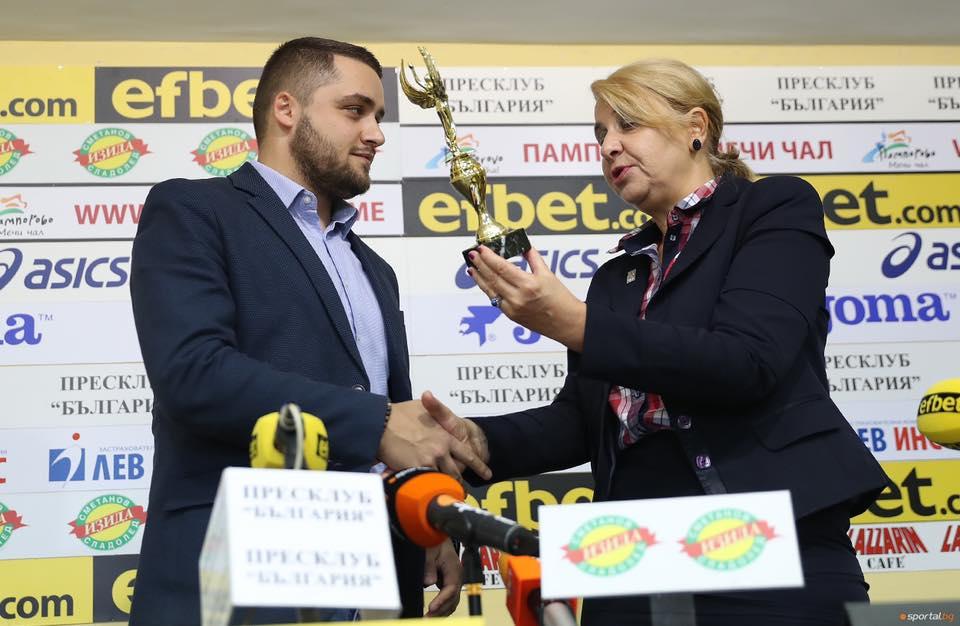 Наградата за Отбор на месеца бе приета от председателя на ВК Хебър Александър Иванов, който благодари от името на треньорското ръководство и състезателите.