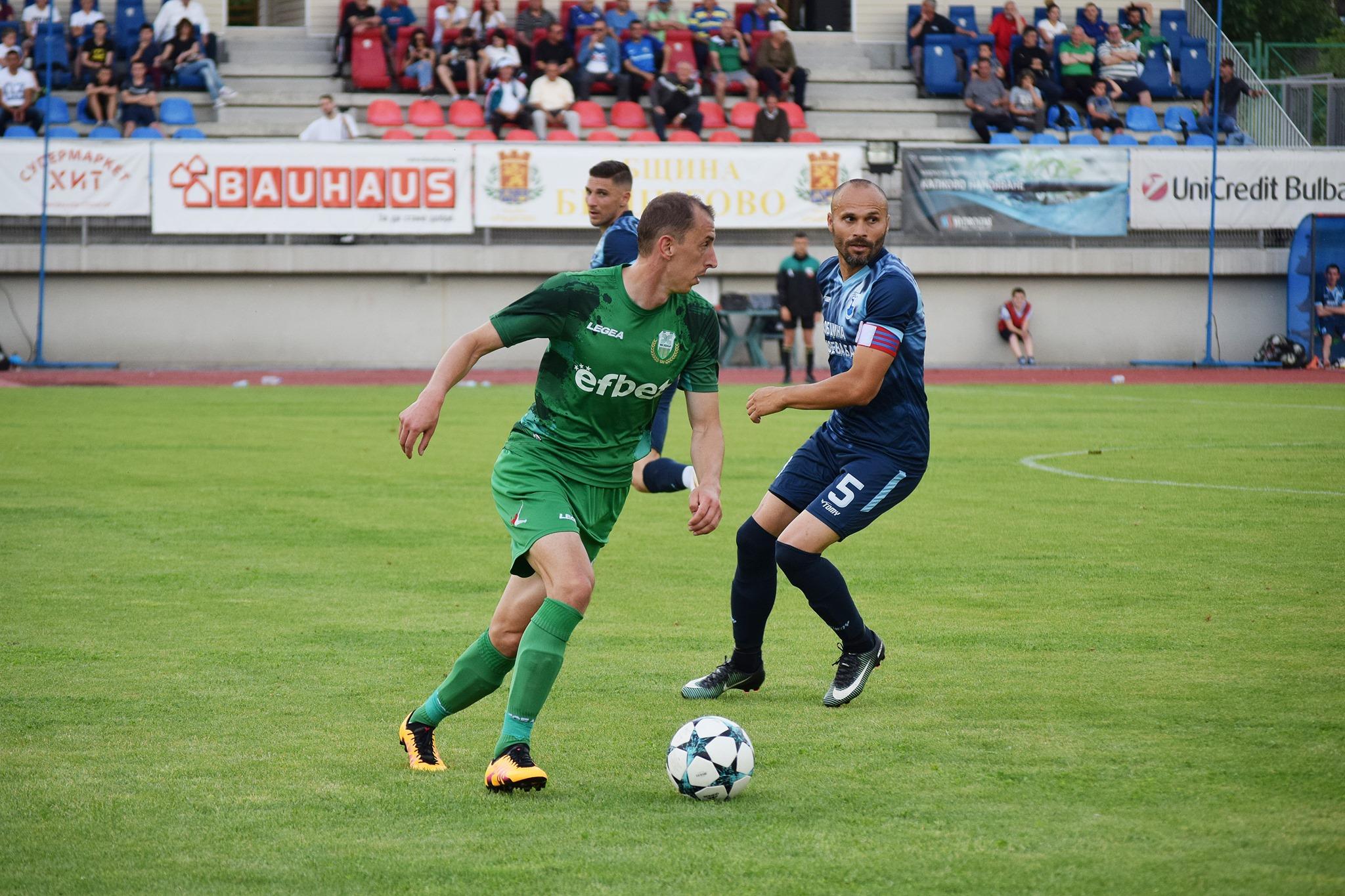 """Велев беше един от малкото пазарджиклии в отбора на """"зелените"""", но явно му е писнало да търка скамейката при Николай Митов и ще предпочете да играе по-често, но в Югозападната трета лига."""