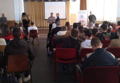 Национална спортна академия гостува на Спортното училище в Пазарджик