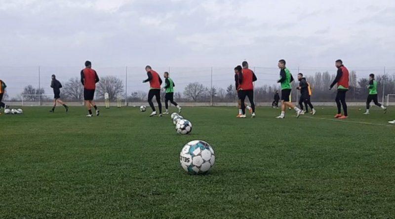 Хебър ще играе контролата с ФК Ямбол при минусови температури