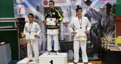 30 медала за СК Тонус-спорт от открит турнир по шотокан карате до